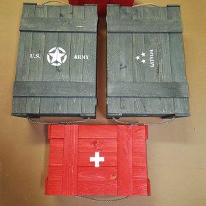 Armijas stila koka kastes