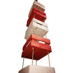 Pakaramas koka kastes