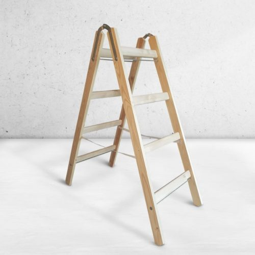 Foldible wooden ladders