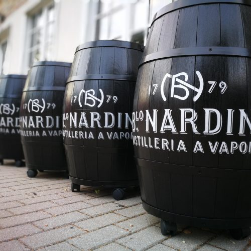Personalized wooden barrels